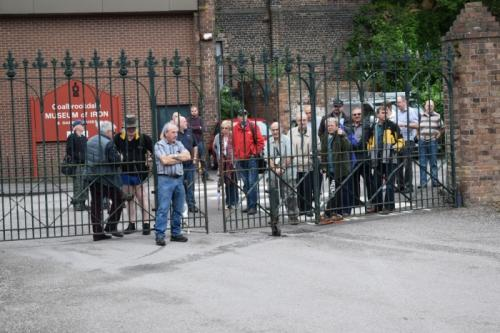 Let me in!  Hamfest gates and visitors waiting for the off.